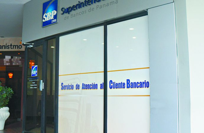 Costo regulatorio afecta competitividad del sistema financiero panameño